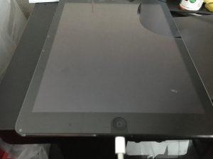 充電ケーブルの先端が折れてつまってしまったiPad air