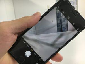後ろのカメラの中のレンズが割れているiPhone7