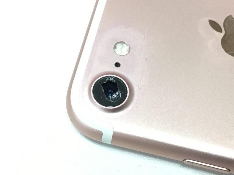 バックカメラレンズが割れているアイフォン7