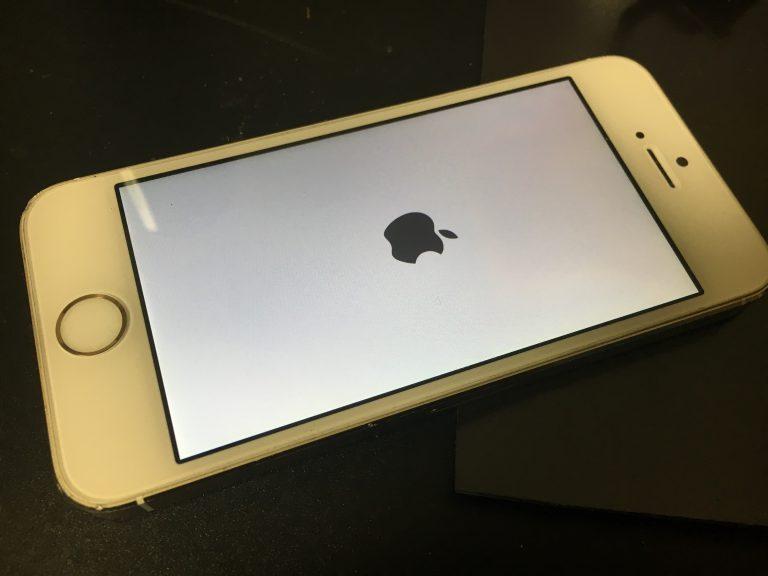 起動時のリンゴループが繰り返されてホーム画面まで進まないiphone5s
