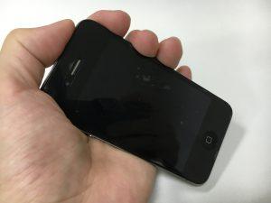 内部のケーブルが断線してスリープボタンを押しても全く反応しないiphone4s
