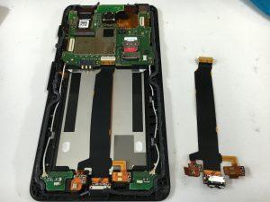 充電コネクタを交換したアンドロイドワンS1-300x225