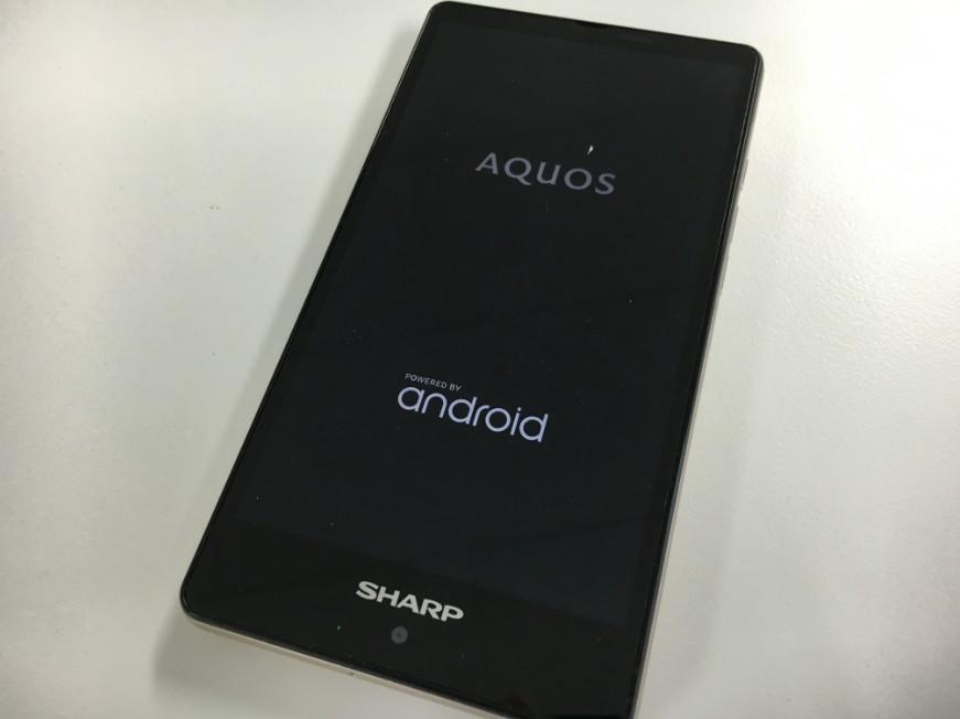 表面ガラス交換でタッチ操作できるようになったSH-RM02