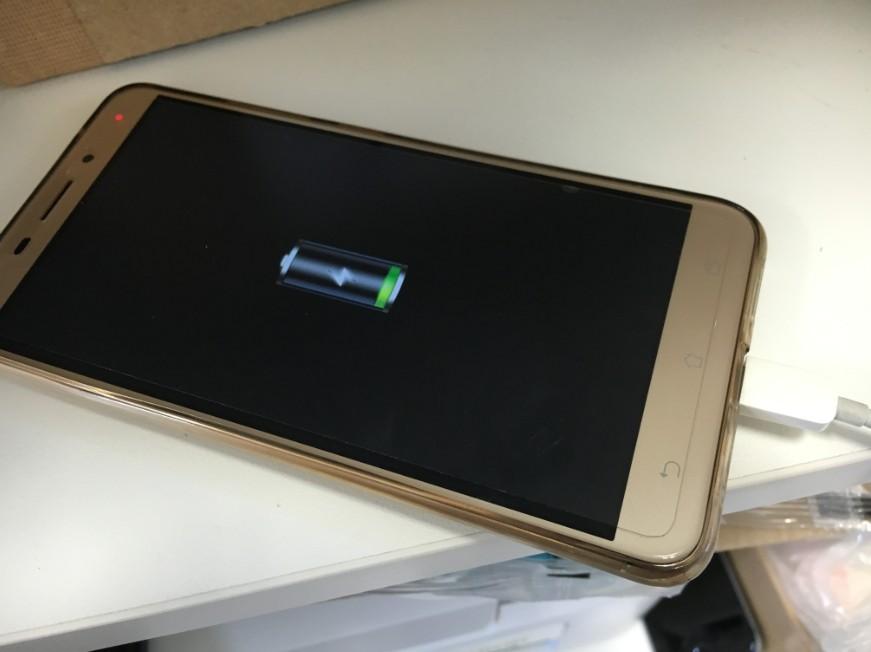 充電口交換修理で充電されるよう改善したZenfone3laser(ZC551KL)