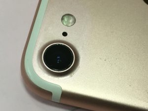 リアカメラレンズを交換修理後のiPhone7