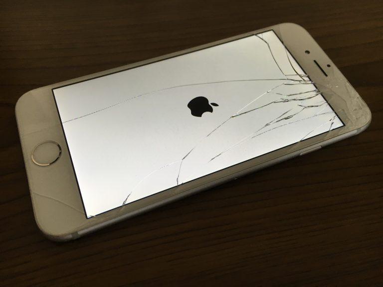 表面のガラスが角からひび割れているiphone6