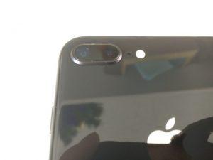 外カメラのガラスが割れ修理後のiPhone8Plus
