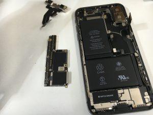 基板を取り外したiPhoneX-300x225