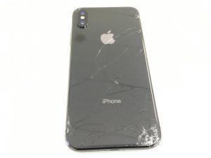 バックパネルガラスが割れたiPhoneX-300x225