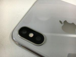 背面カメラレンズを新品に交換して穴が無くなったiPhone10(テン)