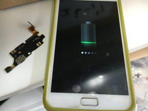 充電コネクタを修理して充電ができるようになったギャラクシーノートSC-05D-300x225