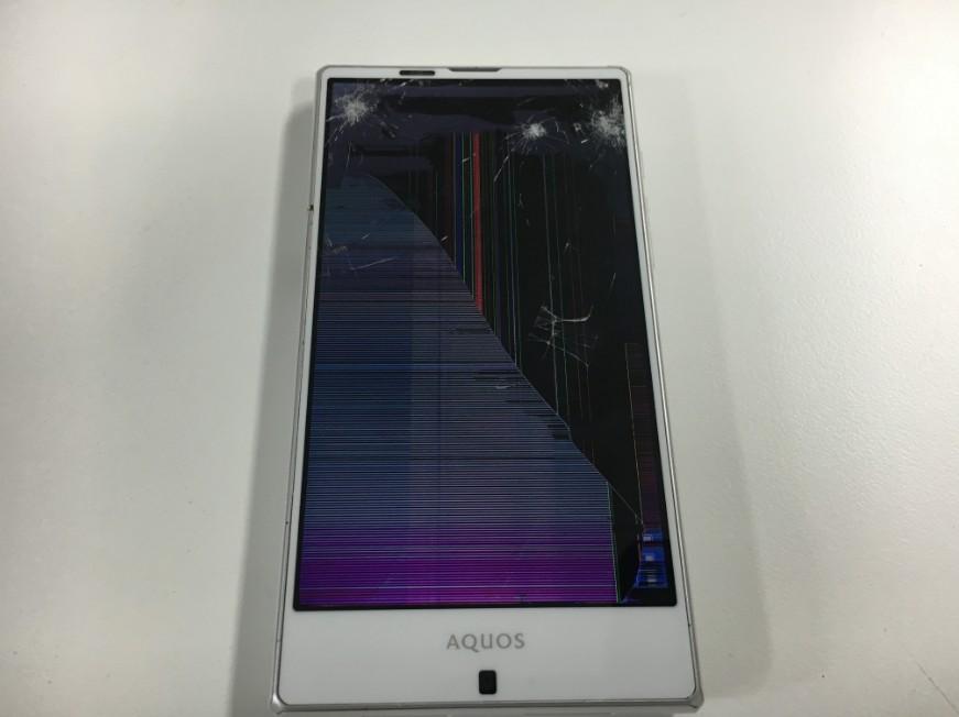 液晶破損で操作が全く出来ないAQUOS PHONE(SHV32)