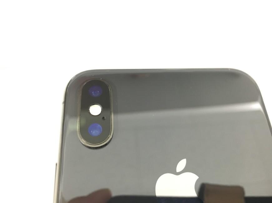 バックカメラレンズを交換したiPhoneX(テン)