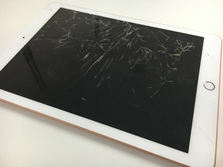 画面が割れているiPad 第6世代