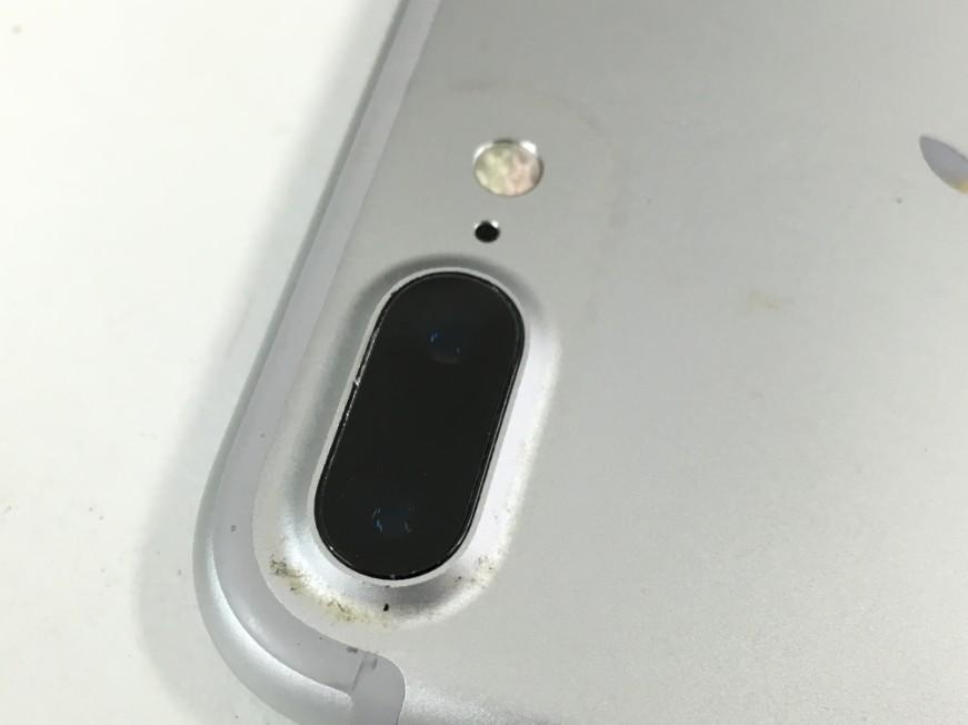 外カメラレンズを交換して光が反射しなくなったiPhone7Plus
