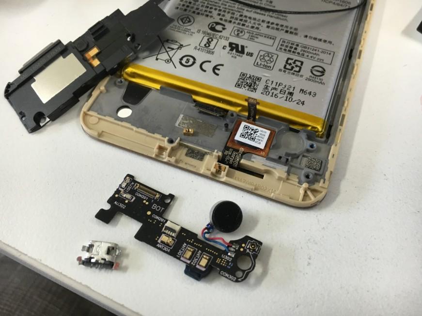 充電できなくなって電源が入らなくなったZenfone3Laser(ZC551KL)