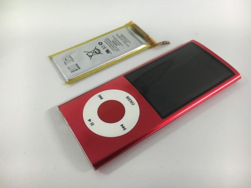 電池を新品に交換したiPod nano5