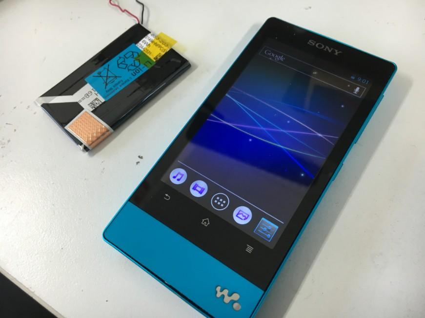 バッテリーを新品に交換して充電持ちが改善したWALKMAN NW-F806