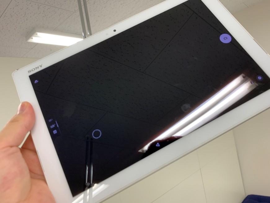 カメラを起動しても真っ暗で撮影できないXperia Z4 Tablet(SO-05G)