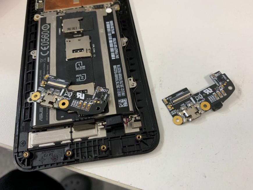 充電器を挿しても反応しないZenfone2(ZE551ML)