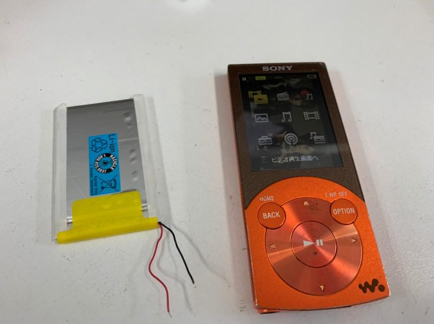 充電池を新品に交換したウォークマン NW-S644