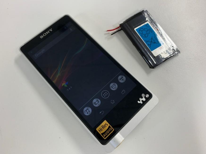 バッテリーを新品に交換したウォークマン NW-ZX1