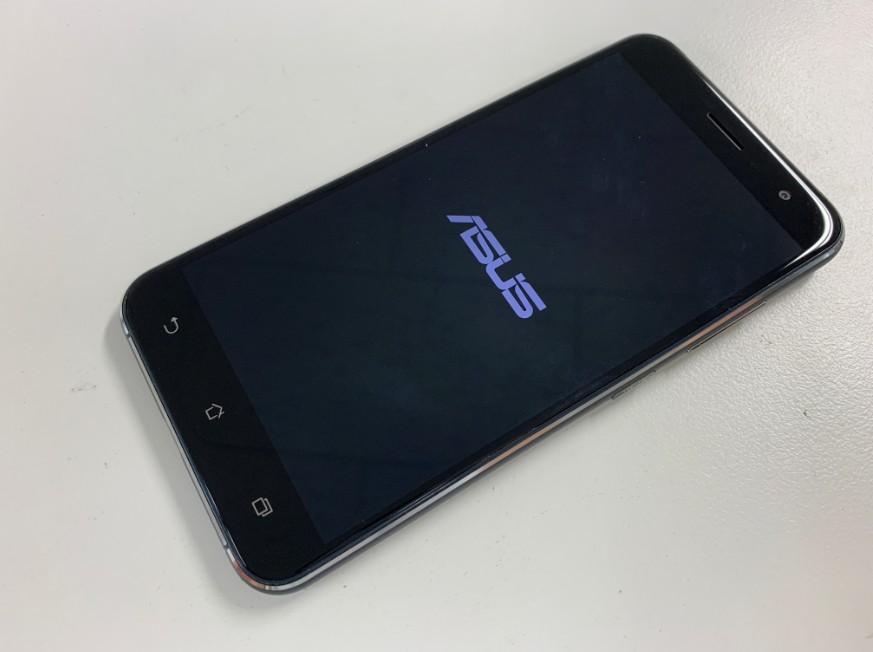 液晶画面を交換修理したZenfoen3(ZE520KL)