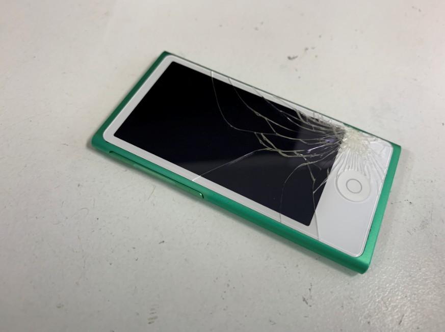 表面ガラスが割れているアイポッドナノ第7世代