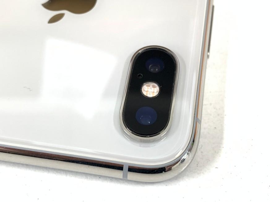 外側カメラレンズを修理後のiPhone XS
