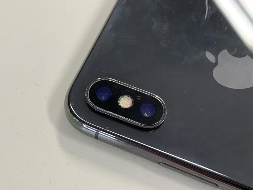 カメラレンズ修理でひび割れがなくなったiPhoneX(テン)
