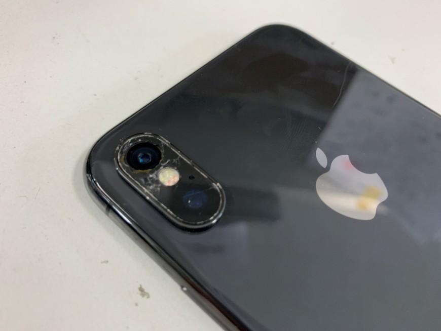 カメラレンズが割れたiPhoneX(テン)
