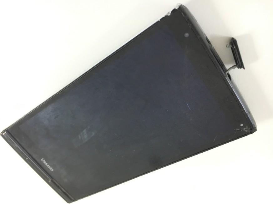 液晶画面が割れてタッチ切れのURBANO L03(KYY23)