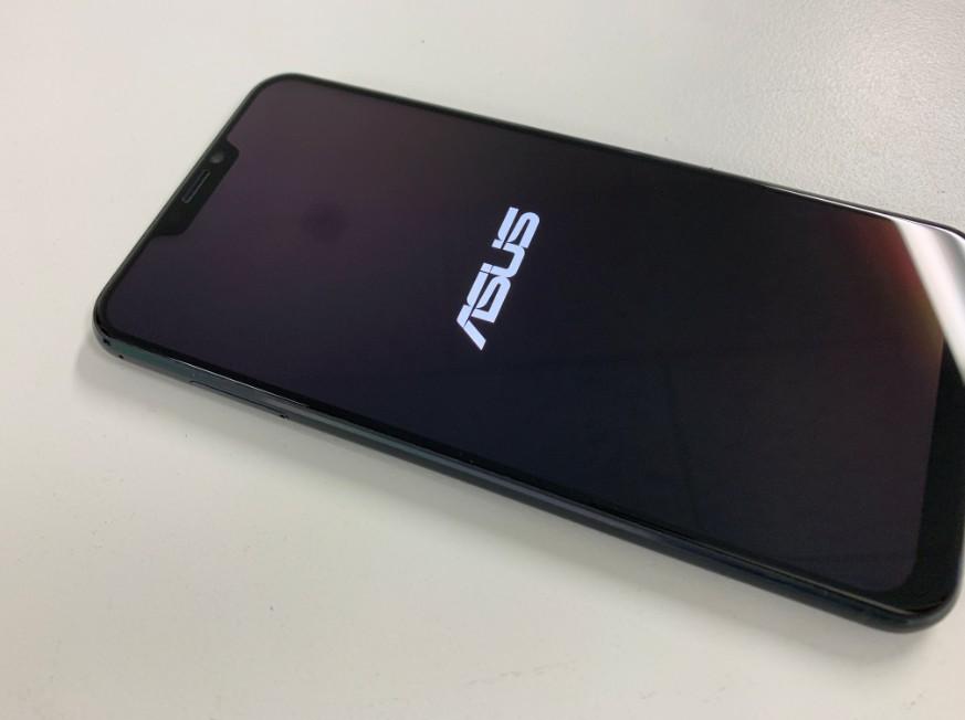 液晶画面交換修理後のZenfone5(ZE620KL)