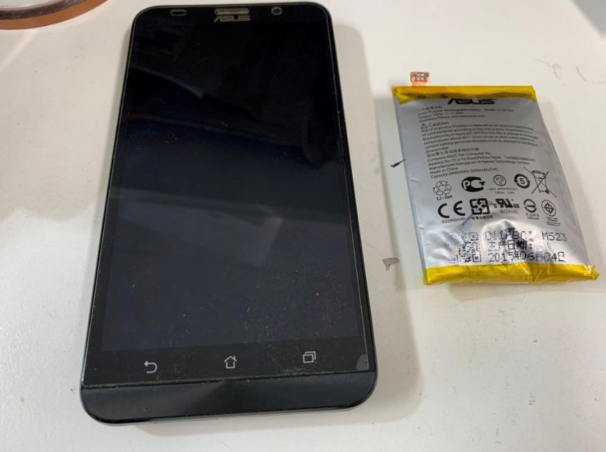 バッテリーを新品に交換したZenfone2(ZE551ML)