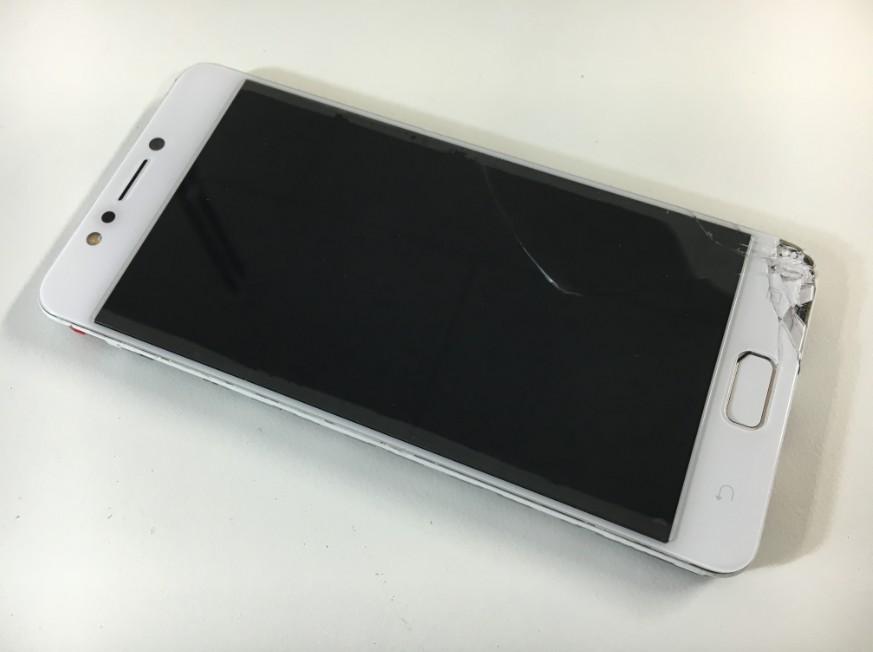 表面ガラスが割れて液晶に何も映らないZenfona 4 Max(ZC520KL)