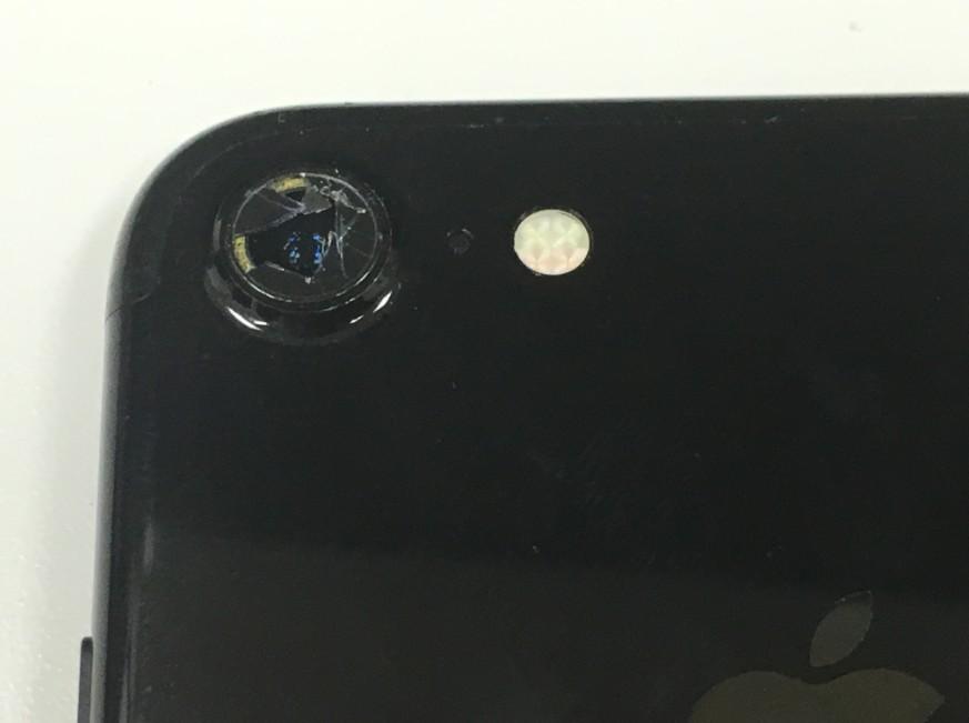 外側カメラレンズが割れたアイフォン7