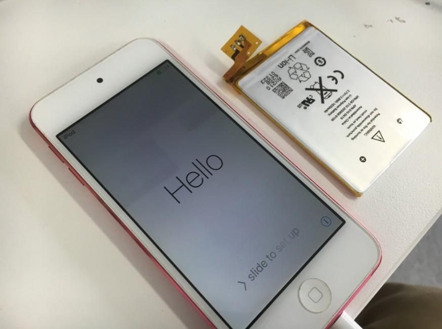 電池パックを新品に交換したアイポッドタッチ5