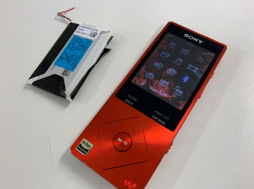 電池パックを新品に交換したSONY製WALKMANNW-A25