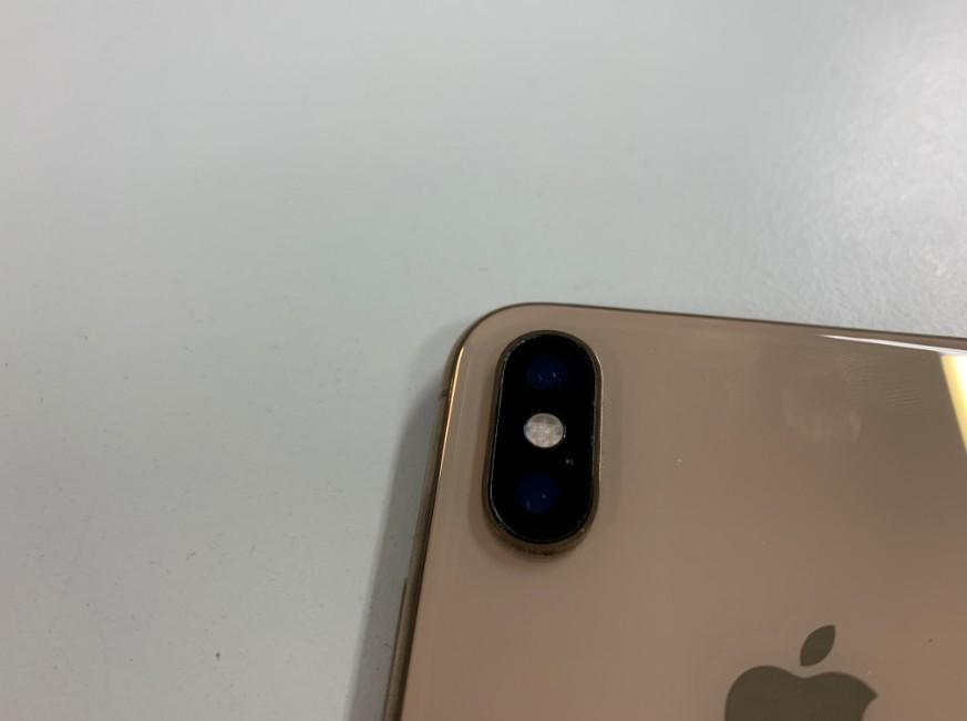 背面カメラレンズを修理したiPhone XS Max