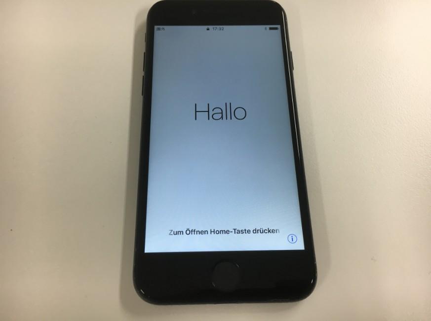 液晶画面を交換修理したiPhone7