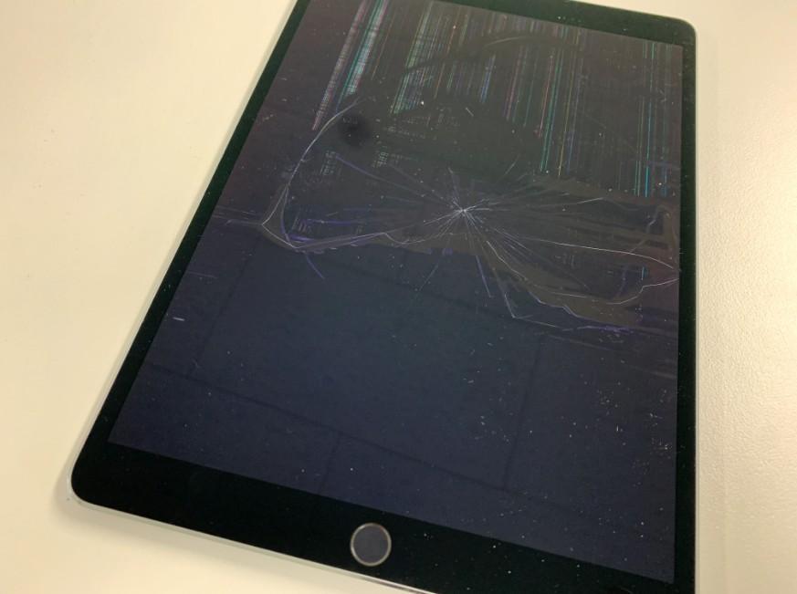 液晶画面が壊れたiPad Pro 10.5