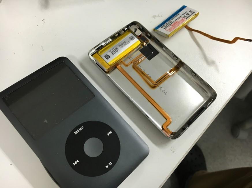 電池パックを交換修理したiPod Classic(160GB最終型)