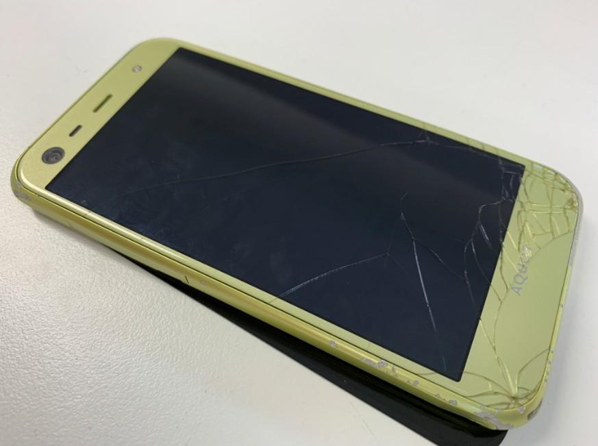 液晶画面が壊れて何も表示されなくなったAQUOS Xx3 mini(603SH)