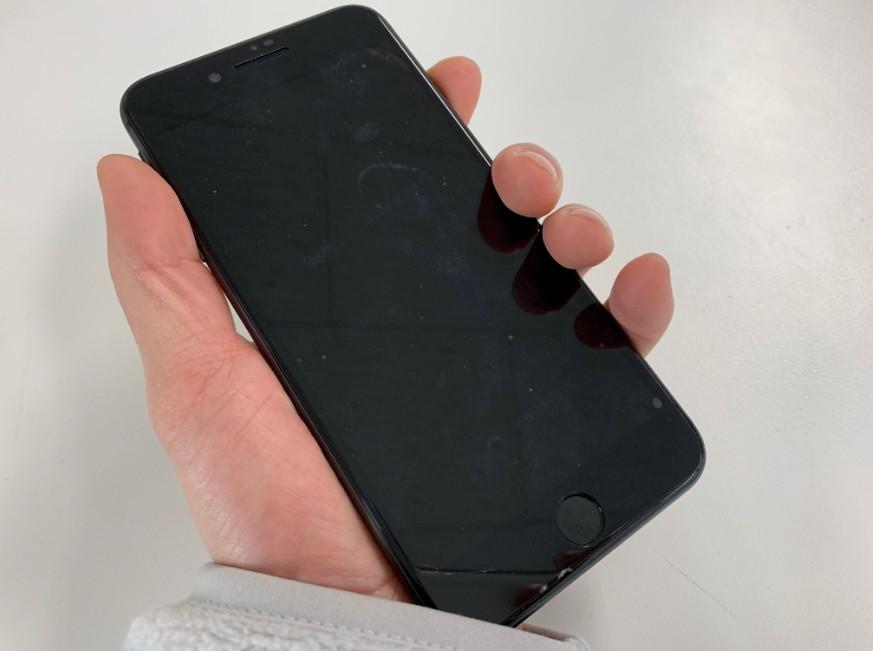 電源が入らないiPhone 8 Plus