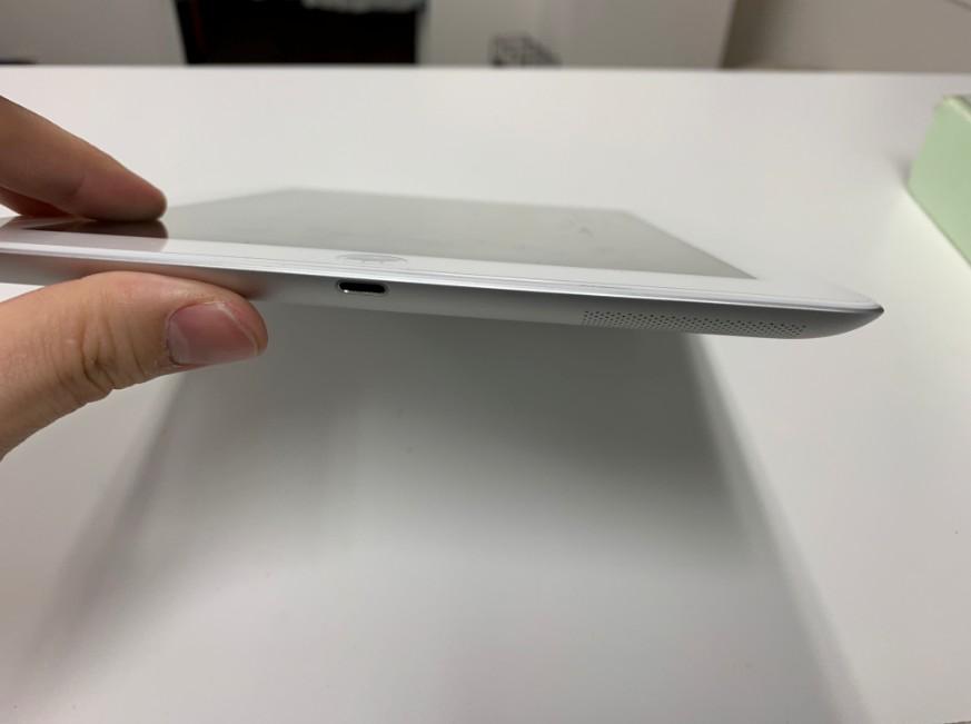 電池パック交換修理後のiPad4