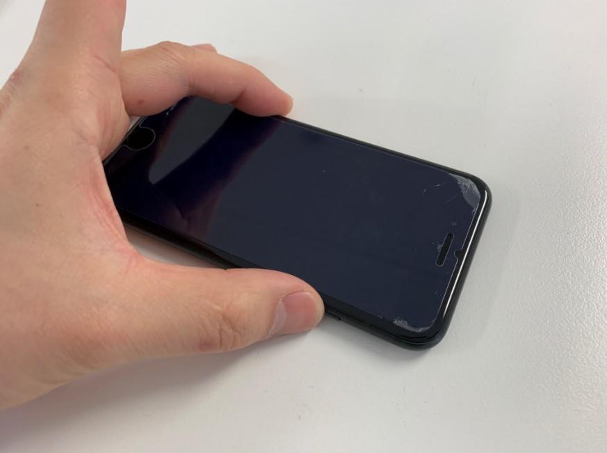 パーツ交換して全く電源が入らないiPhone7