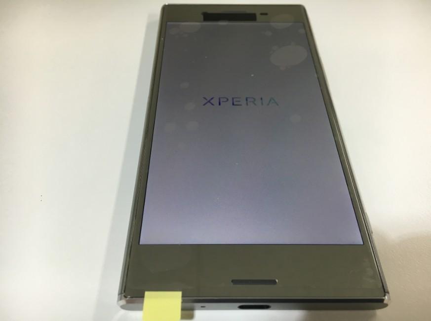 液晶画面交換修理後のXperia XZ Premium(SO-04J)