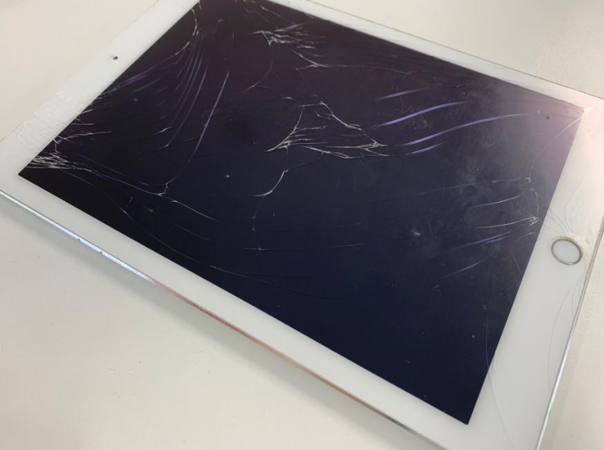 液晶画面が割れているiPad Air2