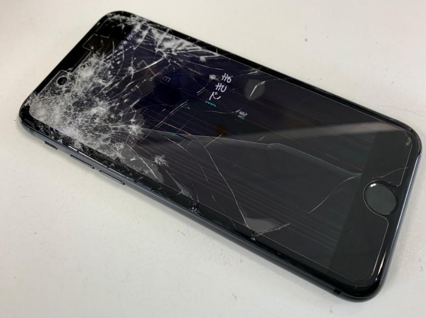 液晶画面後ボロボロになって操作出来ないiPhone8