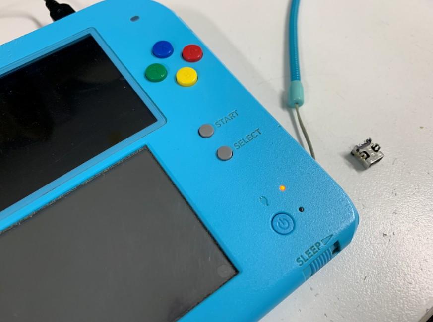 充電部分交換修理で充電できるようになった2DS